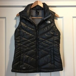 The North Face Black Womens 550 Vest BRAND NEW